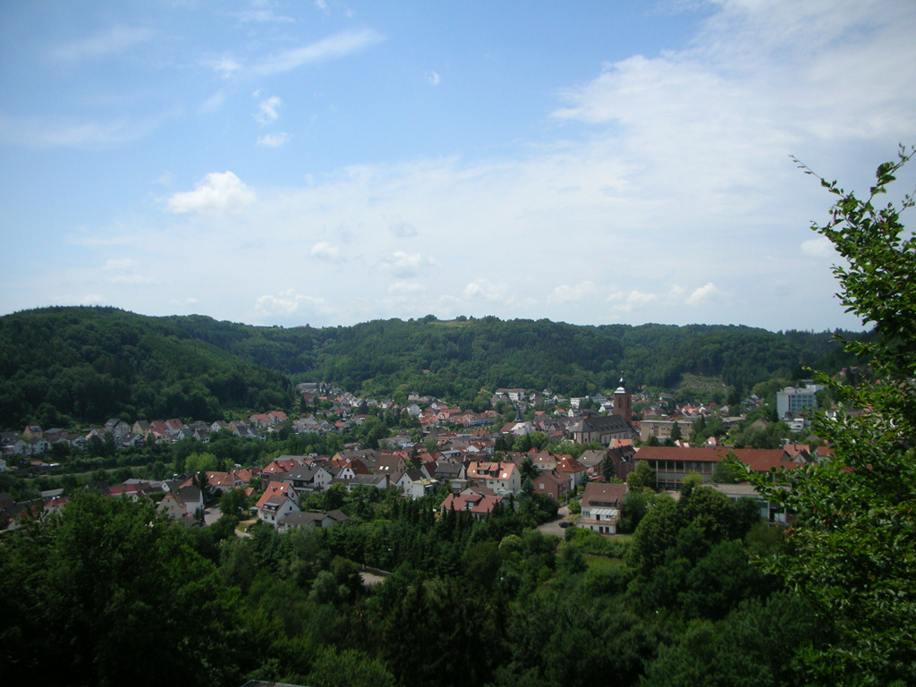 Blick vom Hilschberghaus auf Rodalben
